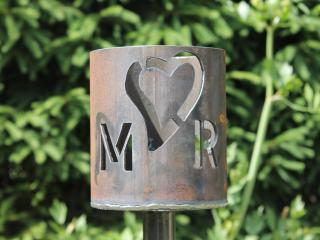 Bild Gartenfackel Herz mit Buchstaben